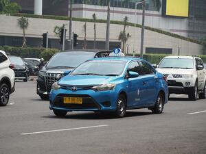 タクシーと同名だと乗用車が売れない! クラウンやセドリックのようにいかないインドネシアの複雑なタクシー事情