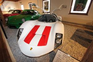 ポルシェ、フェラーリ、メルセデス、1950~1960年代に活躍した速さと美しさを兼ね備えたレーシングマシン5選