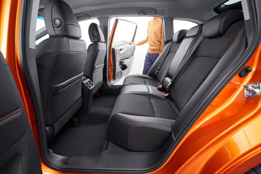 ホンダ・ジェイド マイナーチェンジ車 RSは「2列5人乗り」に