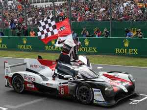 ル・マン24時間、残り1時間でのまさかの逆転劇。8号車トヨタが連覇。7号車はタイヤトラブルで2位に終わる【モータースポーツ】