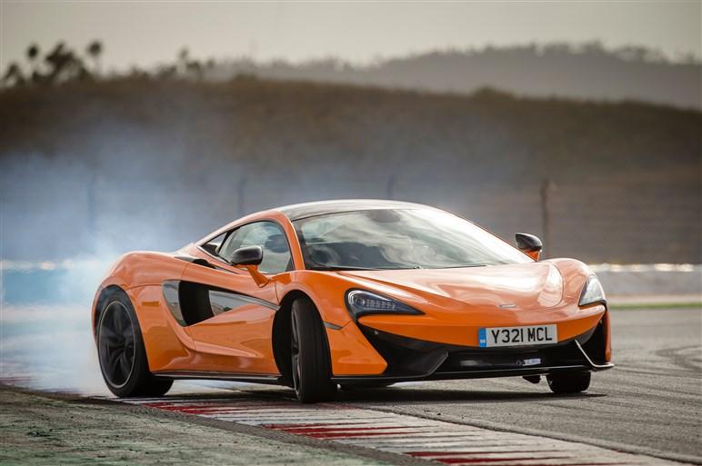 マクラーレン新シリーズの先兵、「570S」にポルトガルで乗った