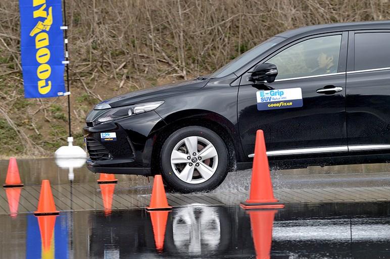 SUV用オールシーズンタイヤ「グッドイヤー アシュアランス ウェザーレディ」をテストコースで試した