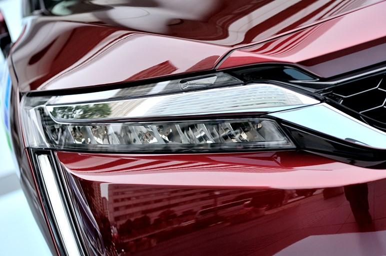 ホンダ、FCVのクラリティ フューエル セルを発売。一充填で約750km走行可能