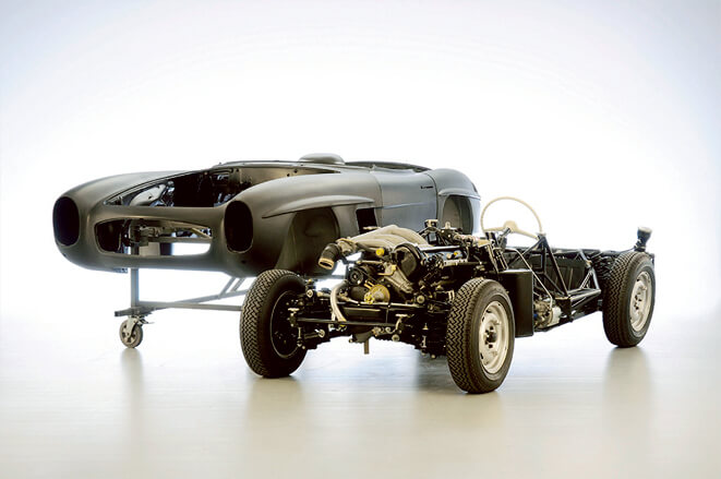 「MERCEDES-BENZ 300SL」レースを制するために生まれた美しきオールドクーペ