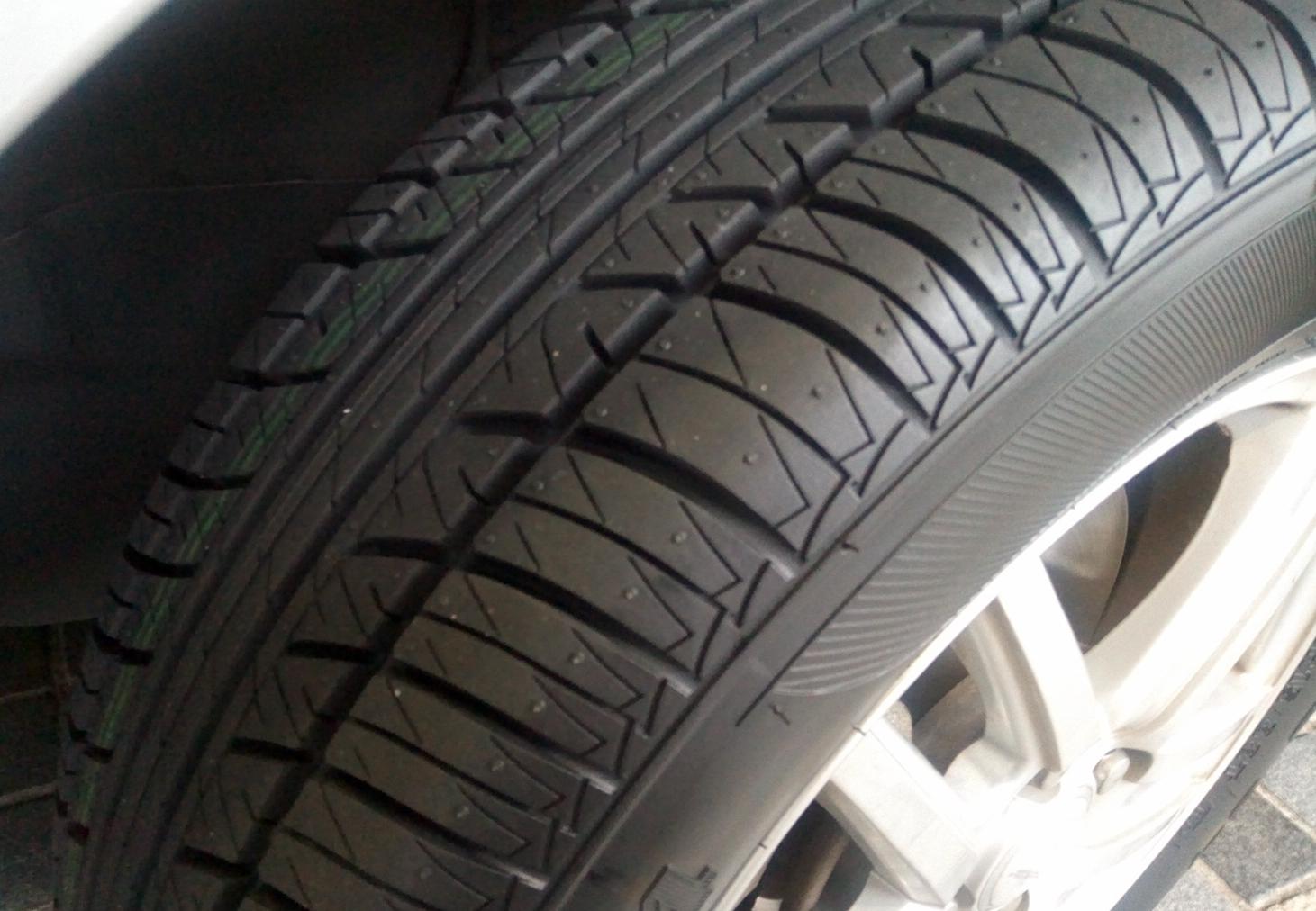 タイヤに窒素ガスを充填するメリット・デメリット