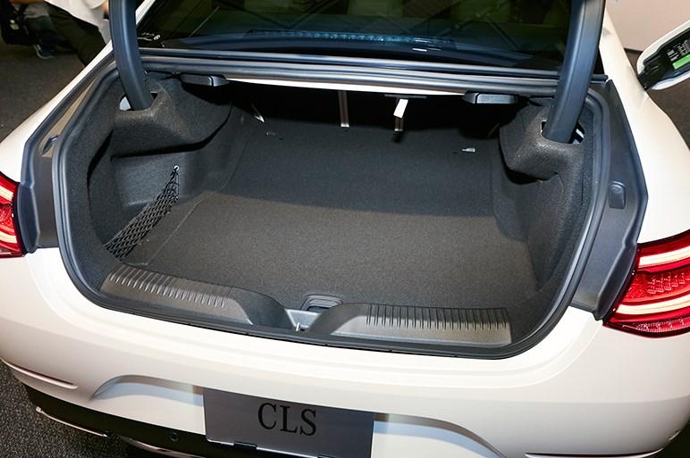 新型CLS発売。メルセデス・デザイン革命の第1号モデルに