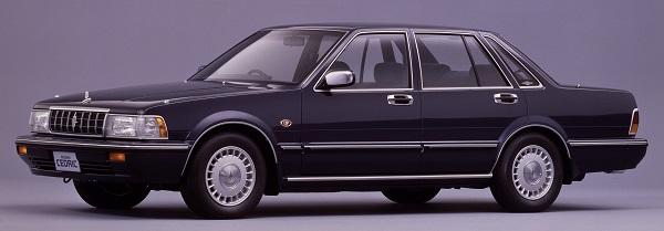 トヨタ カムリ40周年! セダン不況でもなぜ日本で堅調なのか