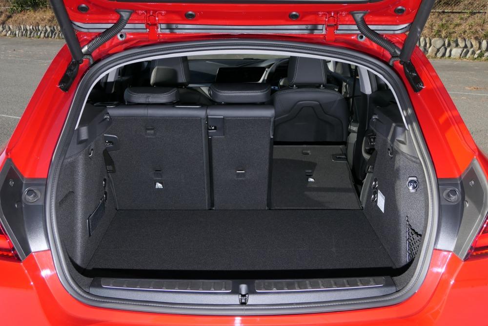 【2台の独コンパクト】BMW 1シリーズ、アウディA1 370万円の新型ハッチバック、走りの違いは?
