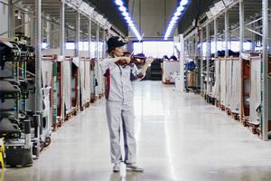 アウディ 世界に向けて連帯を高めるためのコンサートをボディ・プレス工場内で開催【新型コロナウイルス】