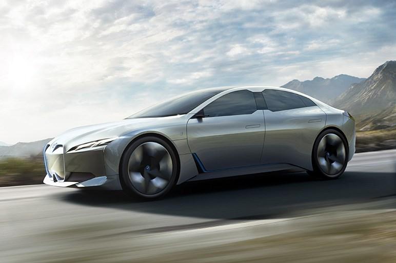 クルマがぜんぶ電気自動車になると走る楽しさは消えてしまうのか?