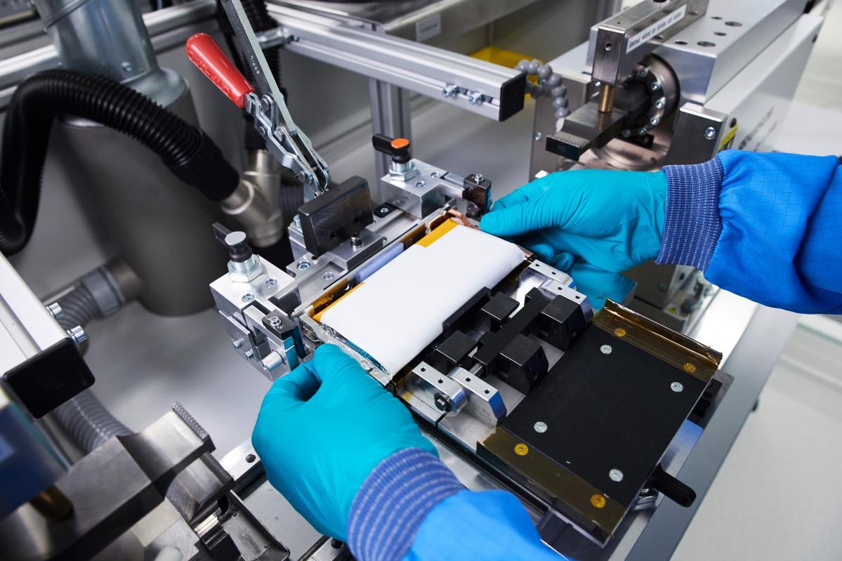 BMWグループ、Northvolt、Umicoreの三社、バッテリーの持続可能なライフサイクルの確立に向けた協力へ
