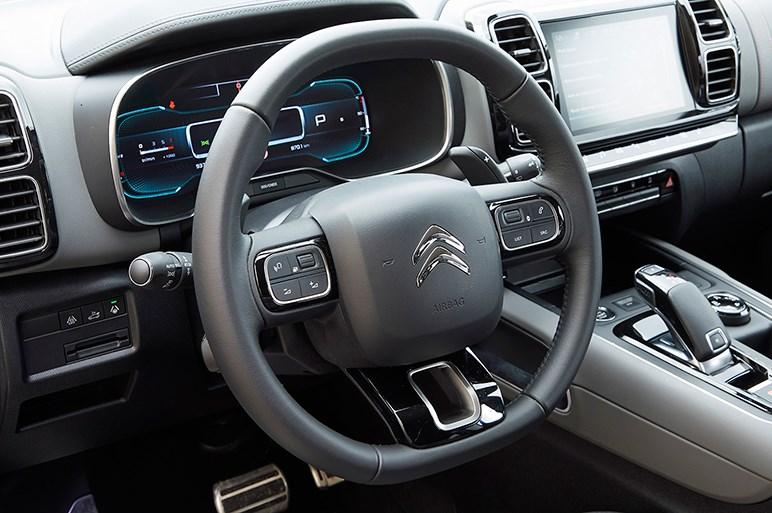 C5エアクロスは昔のシトロエンらしい「ゆるフワ」な走りを最新SUVで再現した確信犯だった