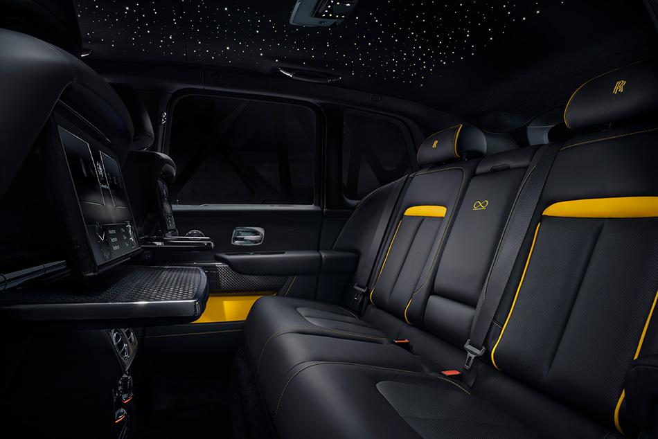 【夜の黒王見参!!】 最高級SUV ロールス・ロイス カリナンに漆黒の「ブラック・バッジ」登場