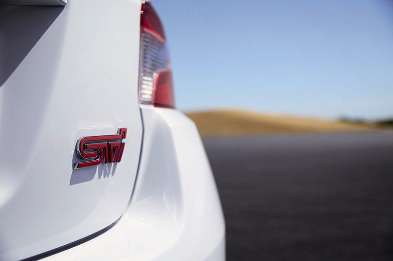 スバル、LAショーでWRXシリーズの限定車を公開。WRX STIは310馬力の2.5Lボクサーターボを搭載