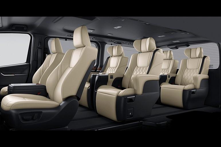 トヨタ・グランエースは12月発売で600万円超。アルファードを超える豪華ミニバンという理解は間違い