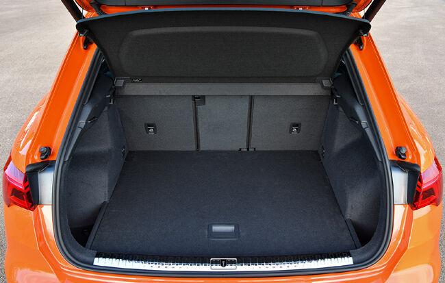 アウディの新型コンパクトSUV「Q3」が待望の日本上陸。クロスオーバータイプの「Q3スポーツバック」も新設定