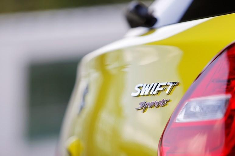スズキ スイフトスポーツはかっ飛ばさなくてもまっ当な実用車=国民車か?
