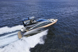 レクサスが海上を走る! ハイテクと職人技で高級ヨット界に参入