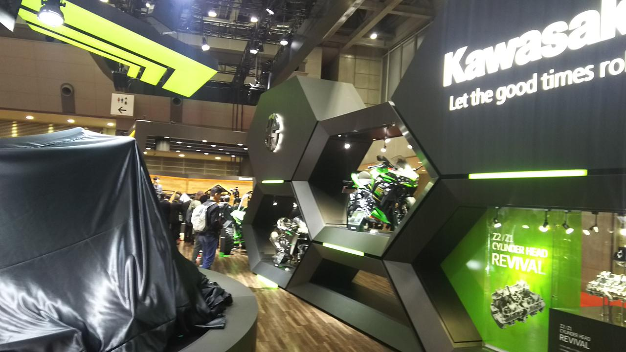 カワサキが「Z H2」「Ninja ZX-25R」「W800」3台のワールドプレミアモデルを発表! 【TMS2019目玉モデル紹介・第一報】