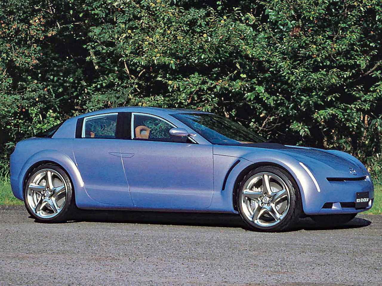 【懐かしの東京モーターショー 17】1999年、マツダのコンセプト「RX-EVOLV」はRX-8へと進化