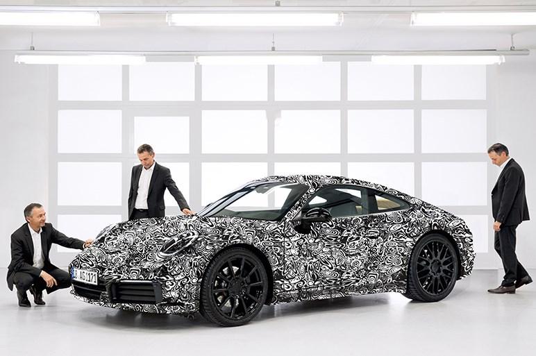 ポルシェ、タイプ992の登場を予告 次期911シリーズの進化の方向性とは?