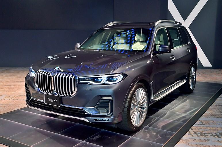 BMWがラグジュアリーに本腰。最上級SUVの新型X7と改良型7シリーズが日本上陸