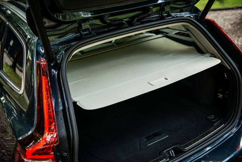 日本のカスタマーを考えたワゴン──ボルボ新型V60の魅力とは?