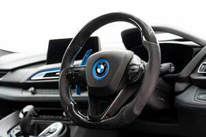 BMW用からリリース開始! 「東レ製カーボン」を使用したカスタムステアリング!