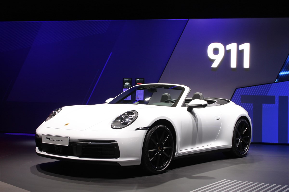 0-100km/hの加速は2.8秒、最高速度は260km/h!量産電気自動車「タイカン」が示すポルシェの本気度