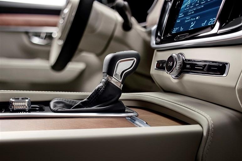 新型XC40/V40が見えてきた。2017年から加速するボルボの野心