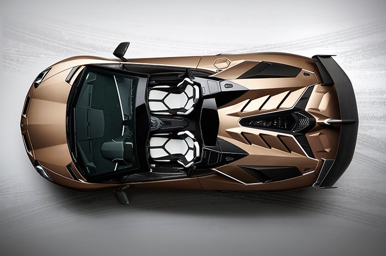 ランボルギーニ、アヴェンタドール SVJにオープントップ版。800台限定で価格はおよそ5700万円