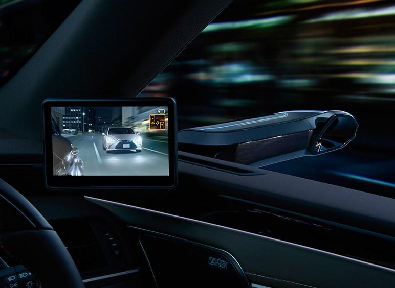 レクサス、デジタル式のドアミラーを世界で初めて量産車に採用。デジタルならではの機能を搭載