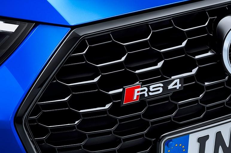新型アウディRS4アバント、2.9L V6ターボへの換装で走りはどう変わった?