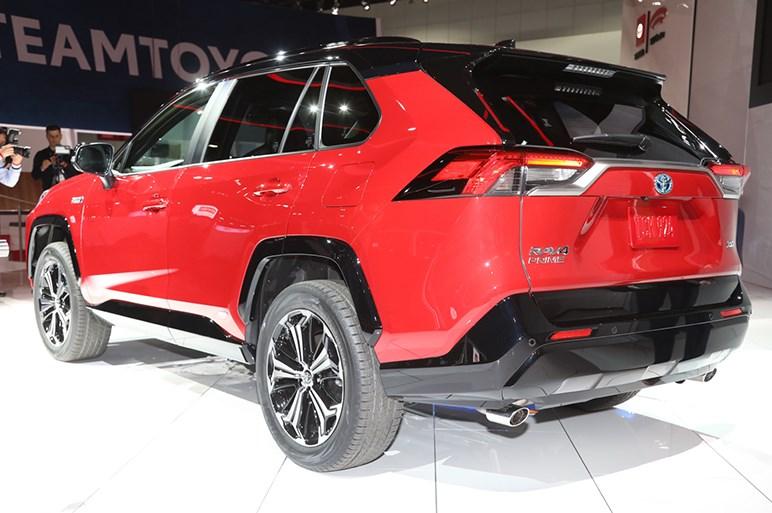 0-96km/h加速5.8秒の俊足PHEV、トヨタ RAV4 プライムはアメリカで来夏発売