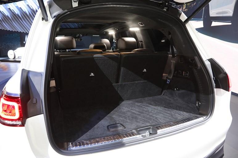メルセデス最大級のSUV「GLS」の頂点モデル、612馬力の「AMG GLS63」をLAショーで公開