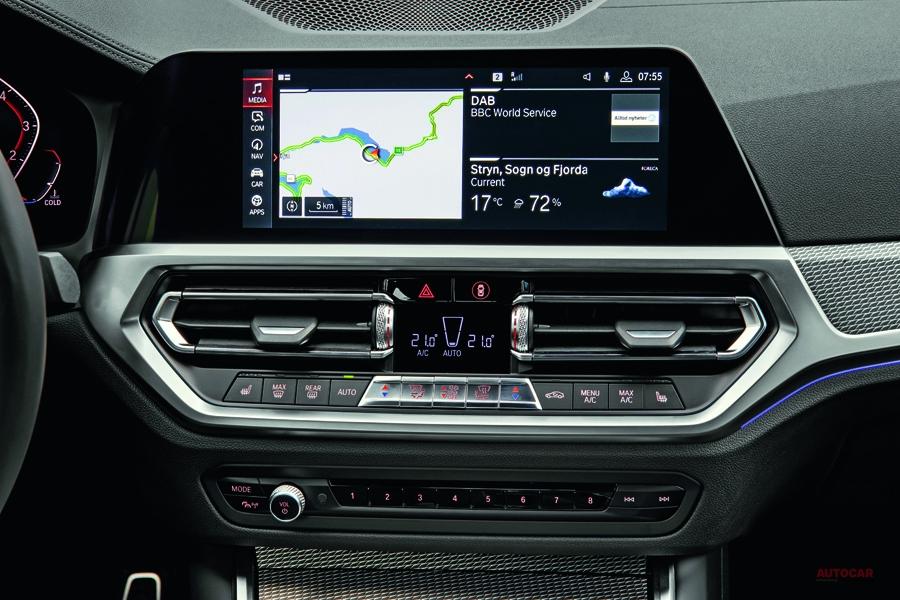 アップル・カープレイなどスマホ投影システム 無料の終焉近く 自動運転装備も課金制に?
