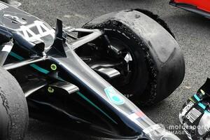 F1イギリスGP最終ラップでパンクのハミルトン、原因はコース上の破片?「僕のタイヤ管理は完璧だったのに……」