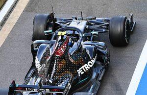 ボッタス「最悪のタイミングで、突然タイヤが壊れた」2位からポイント圏外に脱落:メルセデス【F1第4戦決勝】