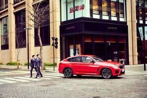 都会にも軽妙にマッチする「BMW X4 M」──ミドルサイズSUVクーペが最強説1