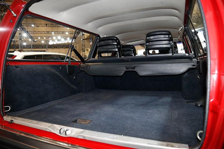 ボルボ伝統のワゴン・エステートが味わい深い。V90に90周年の特別限定車