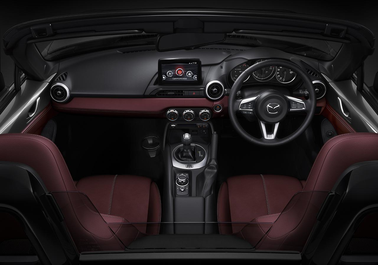 マツダ ロードスターが一部改良、同時に特別仕様車「シルバー・トップ」を設定