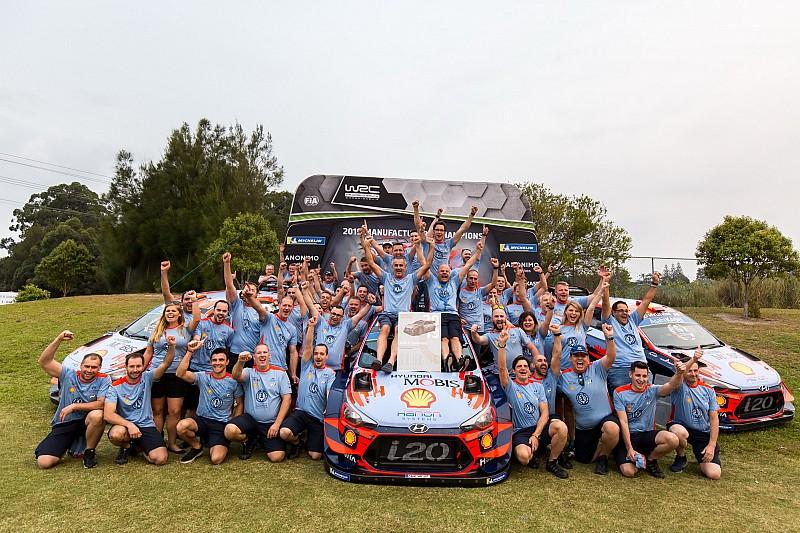 ヒュンダイ、WRC参戦6年目で悲願のマニュファクチャラーズタイトル。「驚くべきことを成し遂げた」とティエリー・ヌービル
