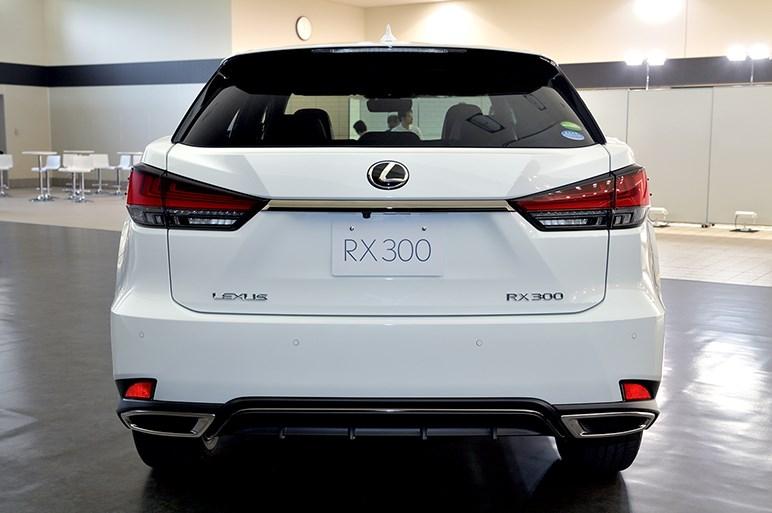 レクサスの主力SUV、RX改良版を初公開。ナビ操作はタッチパネル式に変更