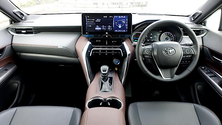 トヨタ ハリアー 感性価値を大切にした上質なモデル試乗記(FF+2.5Lハイブリッド、4WD+2.5Lハイブリッド FF+2.0L CVT)