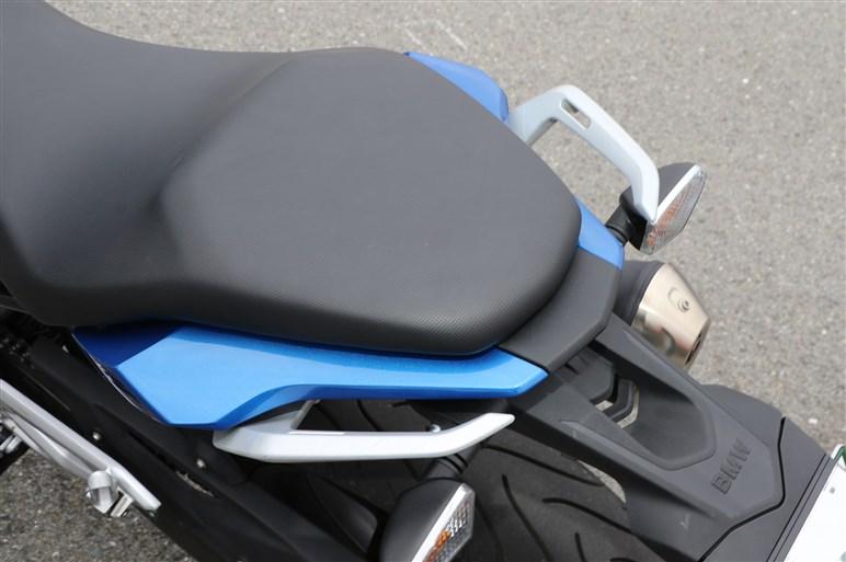 """""""普通二輪免許で乗れる""""だけではない、BMW G 310 Rの存在感"""