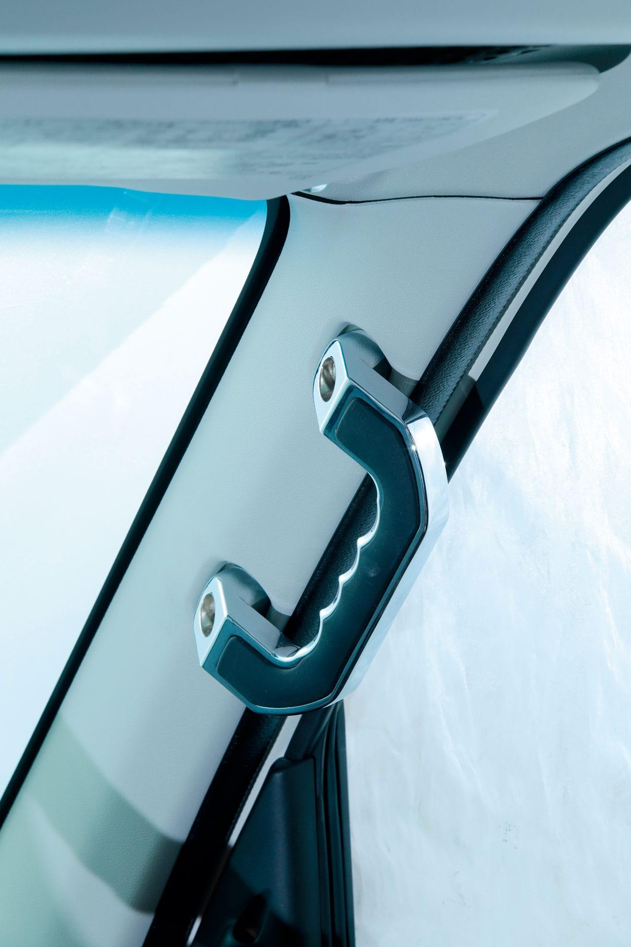 軽バンをワゴン風カスタマイズ! まるでミニバン、ハイゼットカーゴ&エブリイバン、高級感アップ!