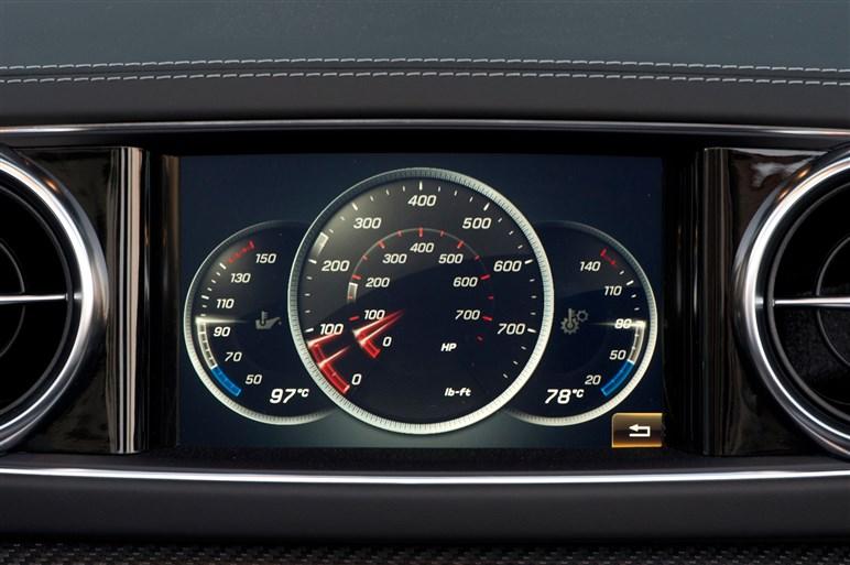メルセデス・ベンツSLがアップデートで新フェイスや9速ATを採用