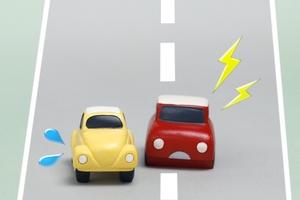 あおり運転の罰則としてみんなが臨むことTOP3、3位罰金刑、2位生涯免停、1位は?