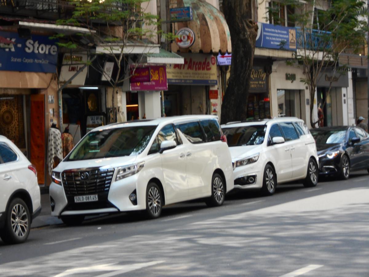 ベトナムでは約2000万円! それでもトヨタ・アルファードが大人気のワケ