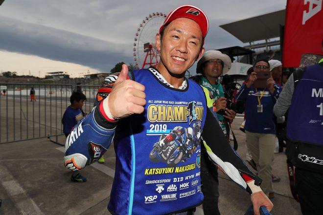 高橋巧、レース2で完全勝利も王者に届かず。中須賀が逆転で9度目のタイトル決める/全日本ロード第8戦鈴鹿